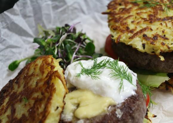 קציצה+לביבה - מתכון המבורגר חנוכה