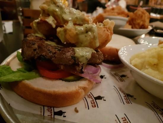 המבורגר איסטנבול של פפריקה