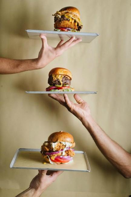 טראק דה לוקס - המבורגרים בלתי רגילים!