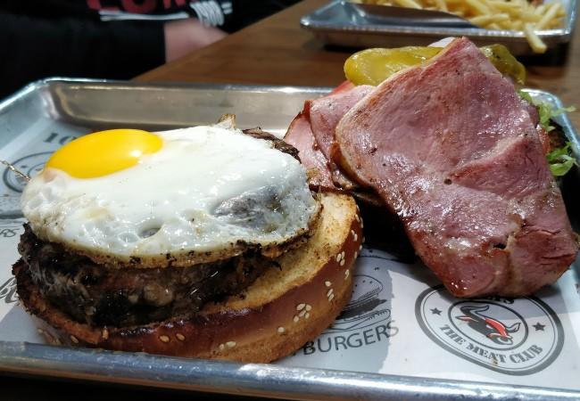 המבורגר עם ביצה של בולס בורגר