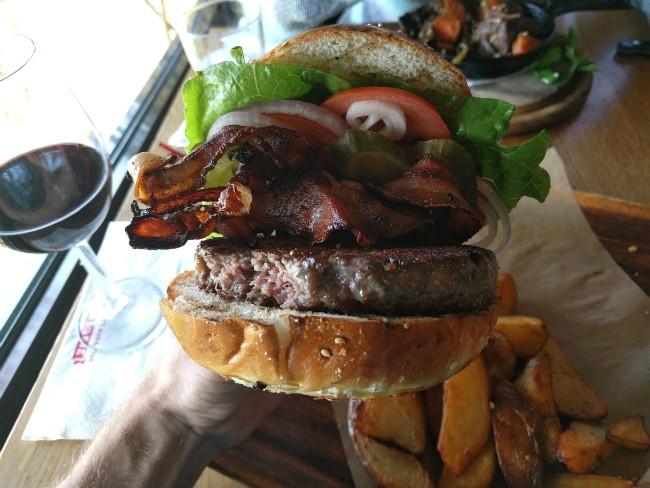 ההמבורגר של מושבוצ