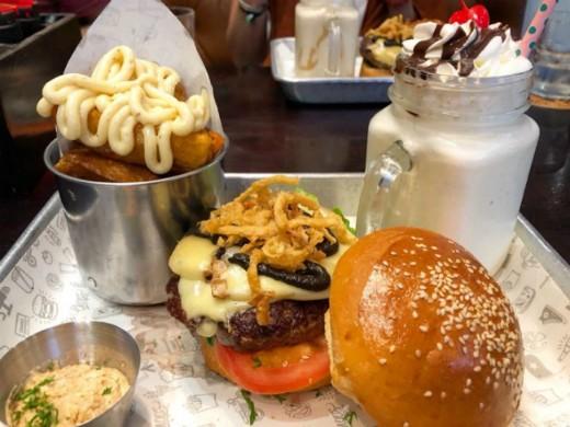 המבורגר בהאנוי - Chops