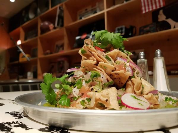 סביצ'ה דג מרענן של מסעדת אמריקה