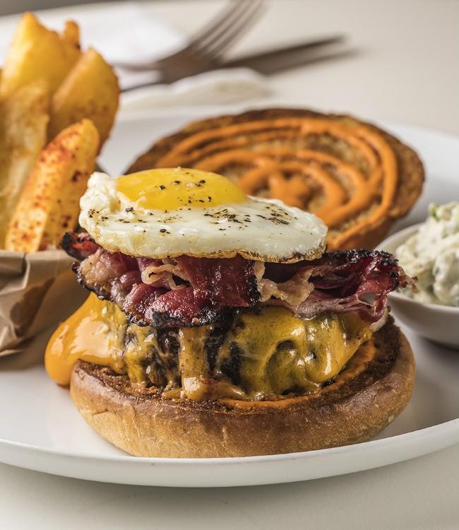 ההמבורגר המושלם של אברטו, צילום: אפיק גבאי