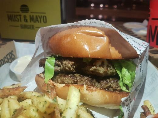 מאסט אנד מאיו - ההמבורגר החדש של ראשון