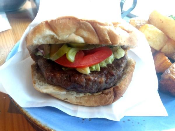 חדר האוכל - המבורגר בלחמניית בריוש