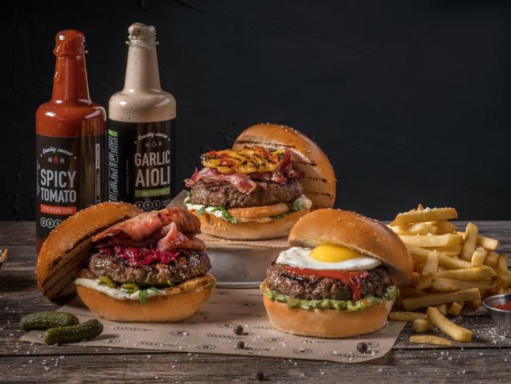 רשת BBB חוגגת את יום ההמבורגר הבינלאומי, צילם – אנטולי מיכאלו