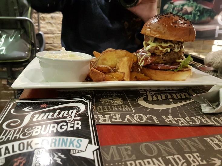 ההמבורגר של tuning burger בודפסט