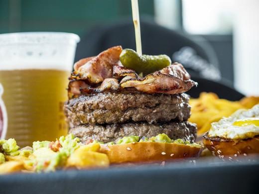 תענוג ברעננה - ההמבורגר של בנג בנג