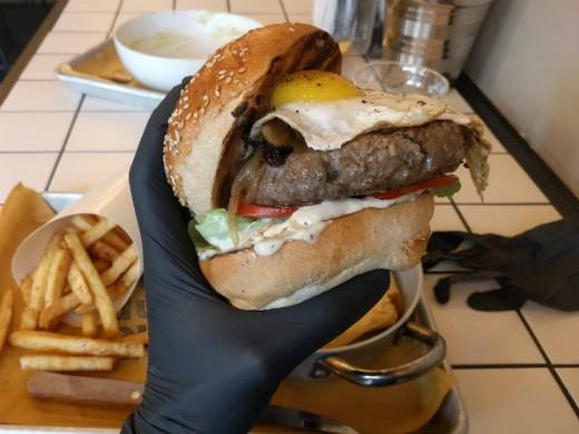 ההמבורגר של דוניא, החדש של אדוני