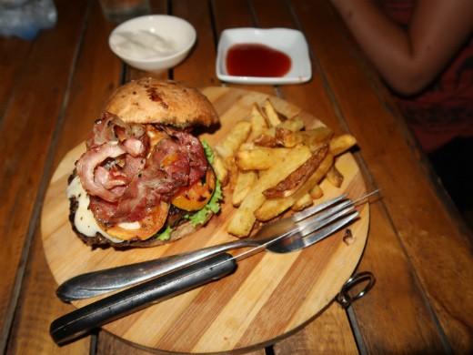 ההמבורגר של reef cafe, פורט ברטון, פלאוון
