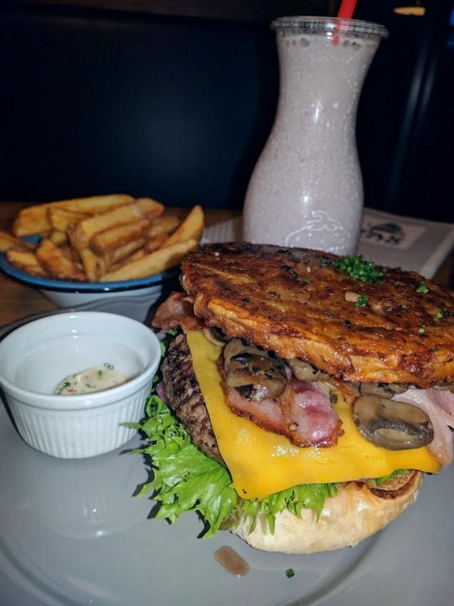צ'יזבורגר בקופנהגן - Gasoline Grill