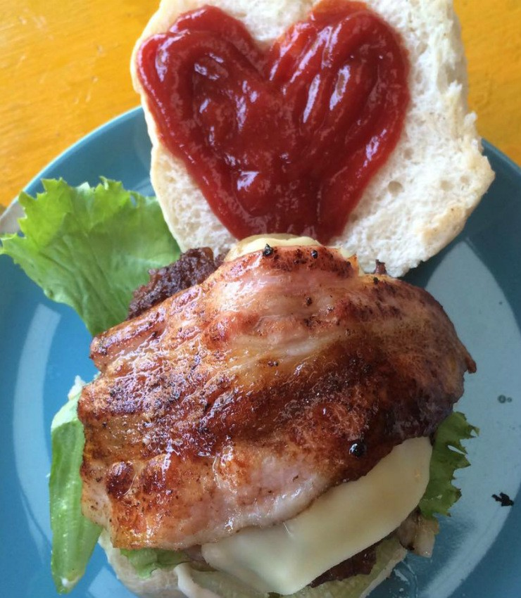 Maya Burger Queen, המבורגר ישראלי בפאי, תאילנד