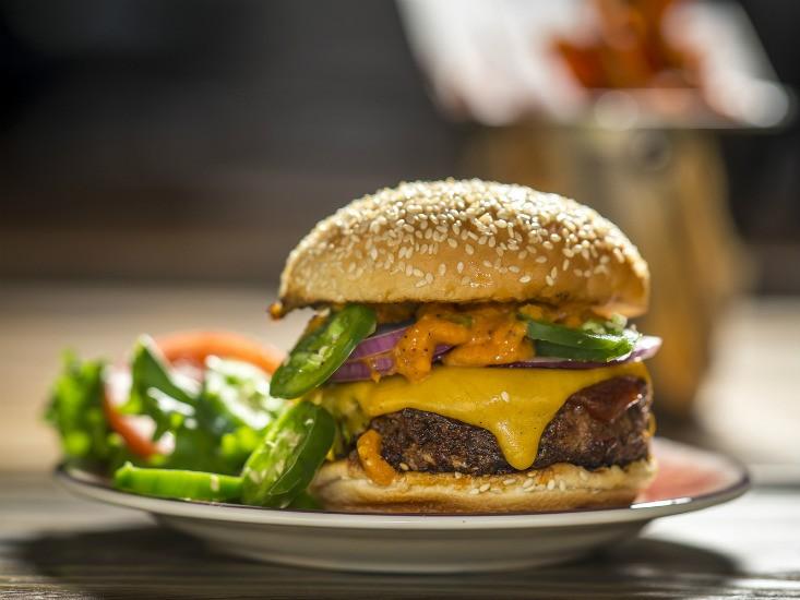 """Island Burger & Shakes, מקור: יח""""צ"""