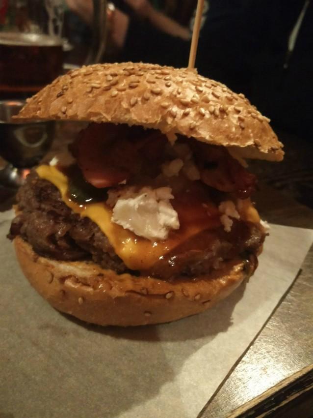 המבורגר מומלץ בסלובקיה - Restart Burger