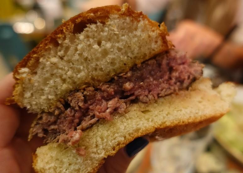 מה פאו החשמונאים - המבורגר הודי