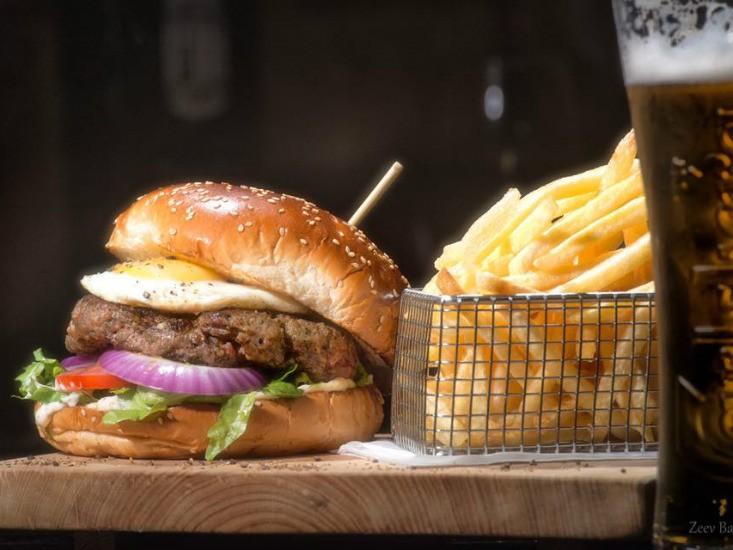 המבורגר החבית, מקור: יח