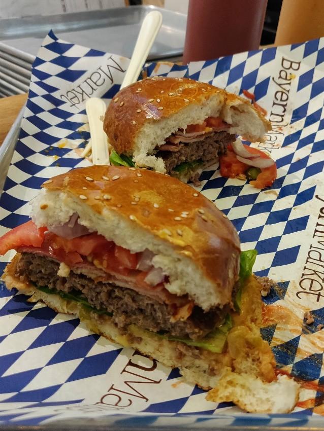 ההמבורגר של ביירן מרקט לב המפרץ