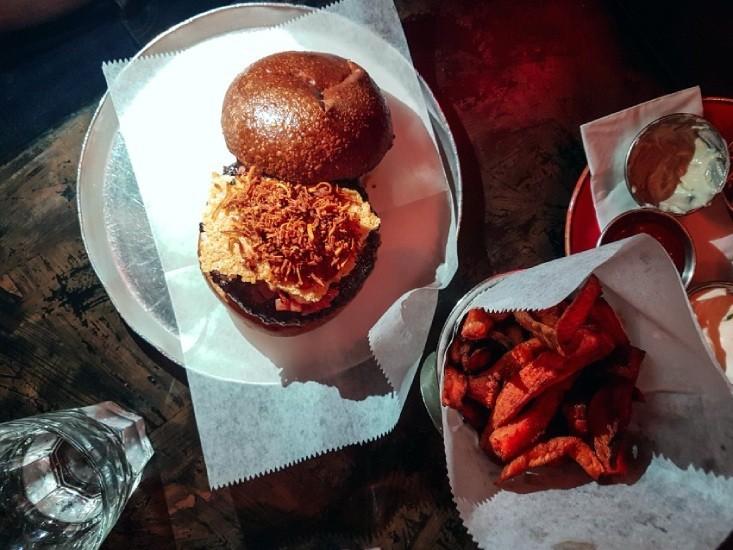 המבורגר לה טרוף של גורמה 26 תענוג