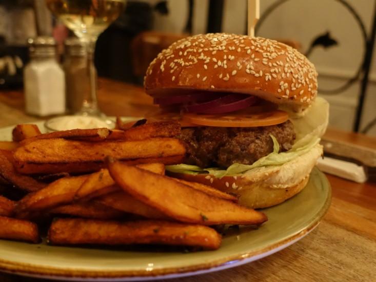 הקרקס בפלורנטין, המבורגר וצ'יפס