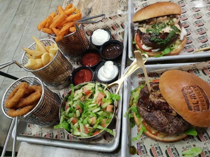 ההמבורגר של שגב ירושלים - ארוחת המבורגר