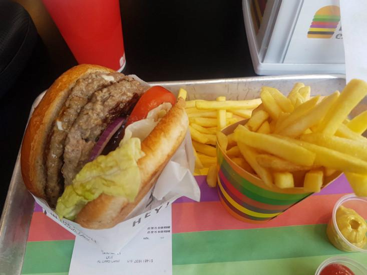 ארוחת המבורגר - עד העצם אקספרס הרובע