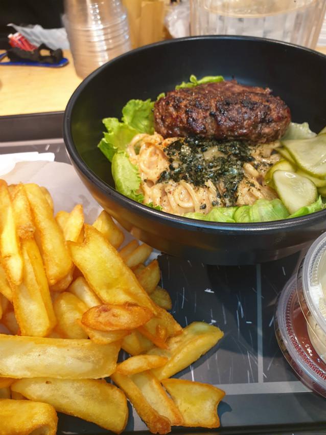 מיאזאקי - המבורגר מטריף!