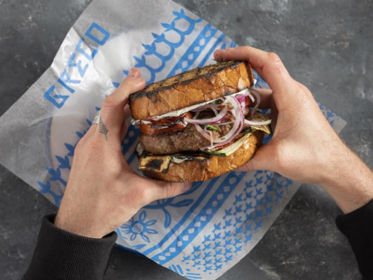 שבוע ההמבורגרים במתחם גרינברג, צילום: אנטולי מיכאלו