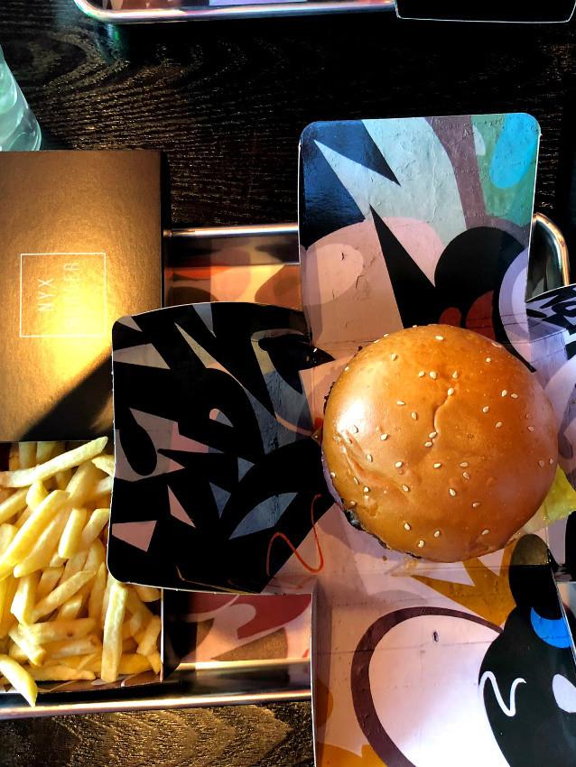 ההמבורגר וצ'יפס של NYX Burger