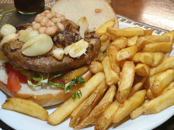 יומנגס גבעת ברנר ההמבורגר הצרפתי