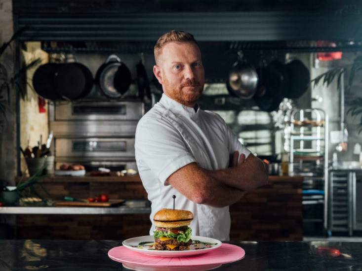 המבורגר Ur-ban של יובל בן נריה לרשת מוזס צלם: נועם פריסמן