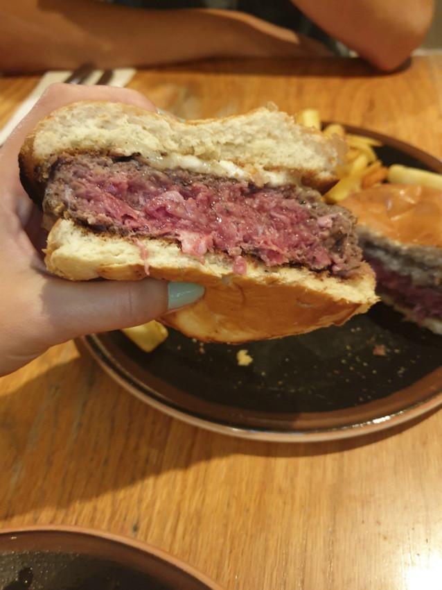 כרמים סגולה, המבורגר מומלץ