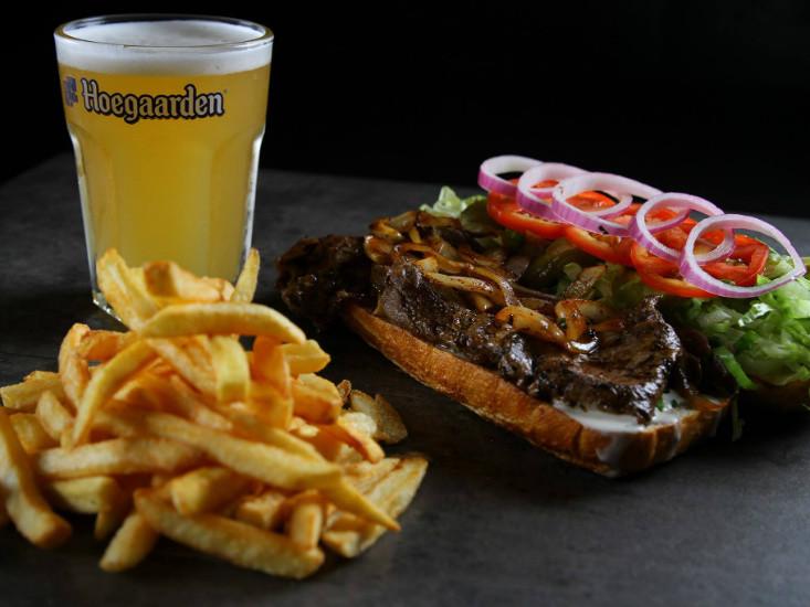 """הסנדוויץ' של פפריקה, פתח תקווה, מקור: יח""""צ"""