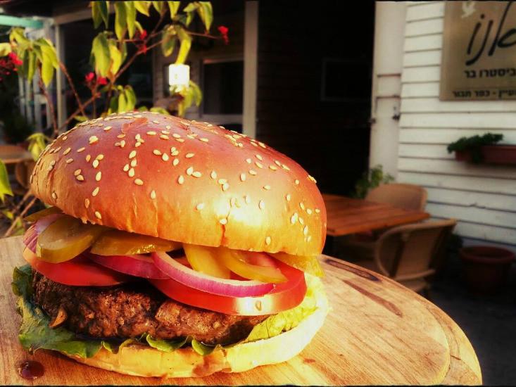 קיאנו כפר תבור, תענוג של המבורגר גלילי