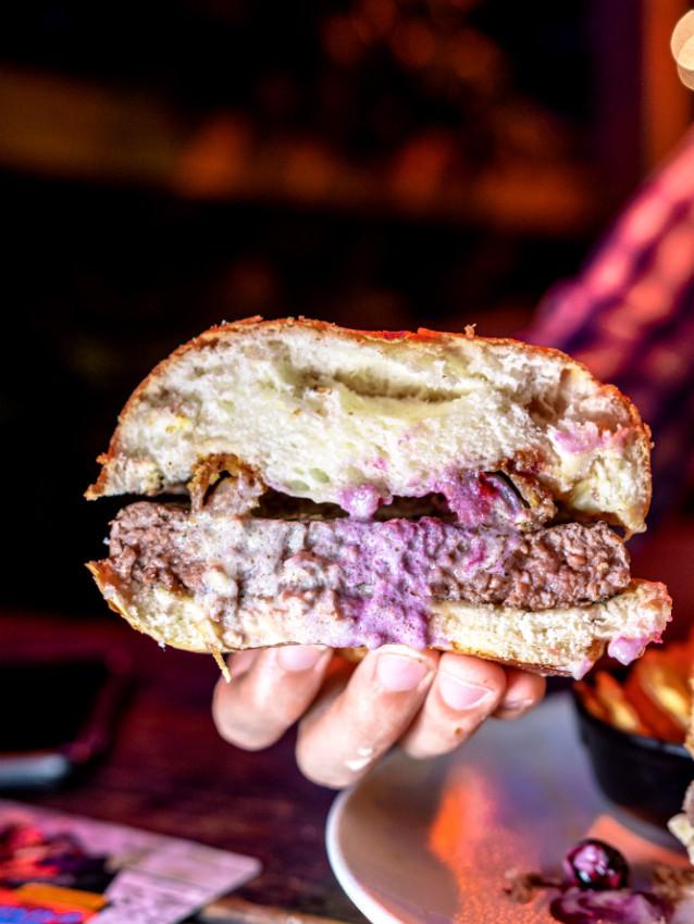 המבורגר נפוליאון בונפרטה של מורדן בר