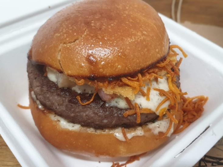 ההמבורגר של גורמה 26 במשלוח וולט