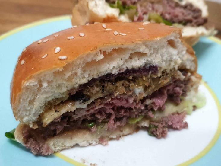 המבורגר המוסד במשלוח של וולט