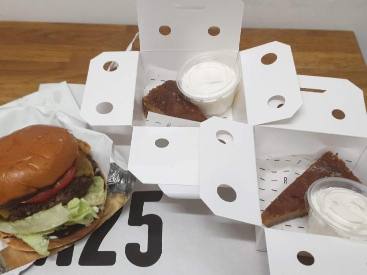 M25 עם וולט - המבורגר וקראק פאי
