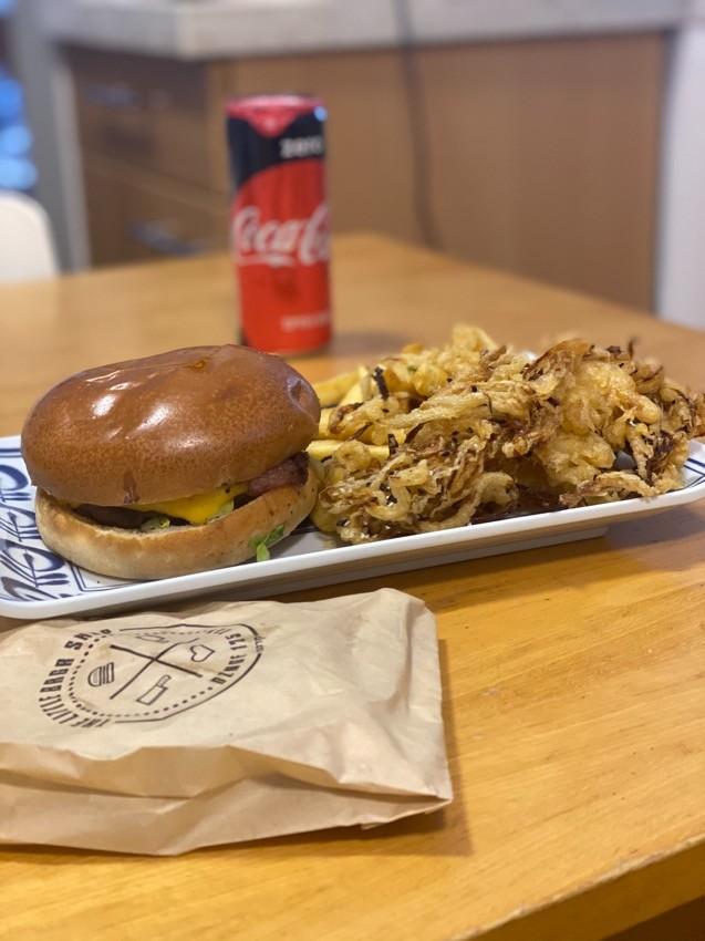 Tlbs המבורגר, חלת בצל וצ׳יפס