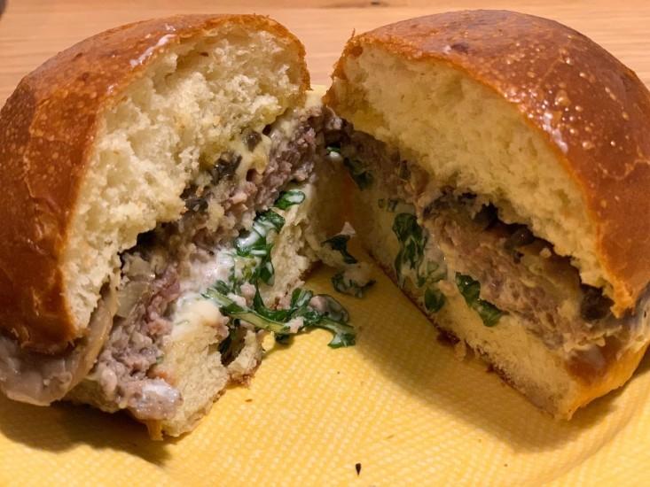 המבורגר טלה, גורמה 26, משלוח וולט