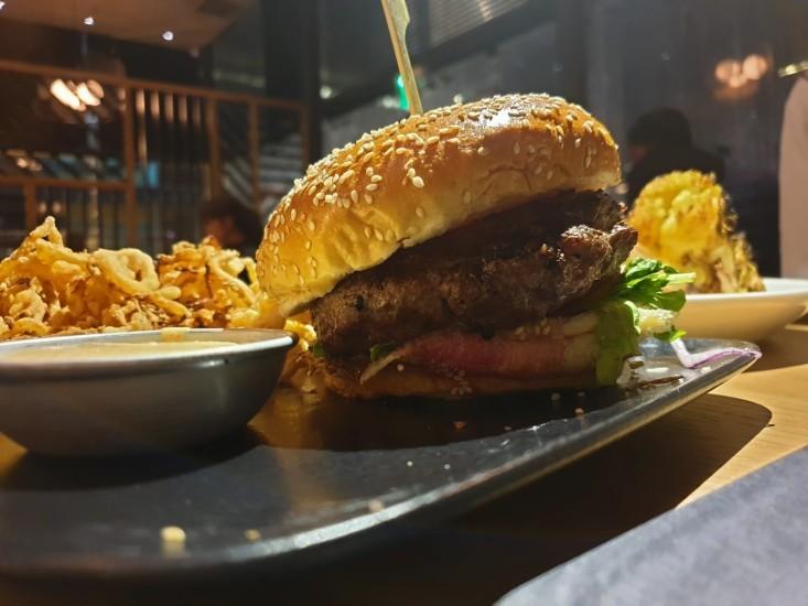 גסטון המבורגר - תענוג של מנה