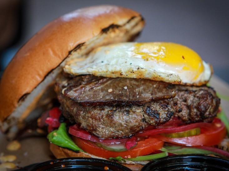 ההמבורגר של בורגר סטיישן רמת גן