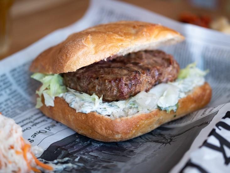B12 קרליבך, המבורגר מקור: יח