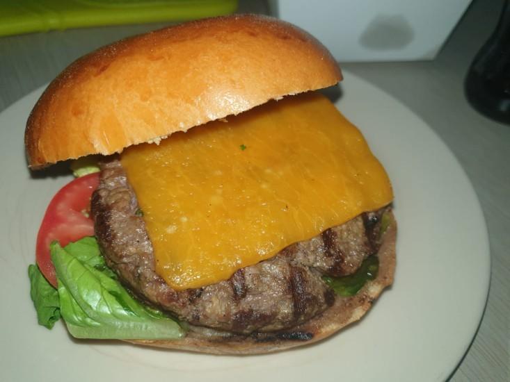 ההמבורגר של בוצ'רי דה ברילוצ'ה במשלוח WOLT