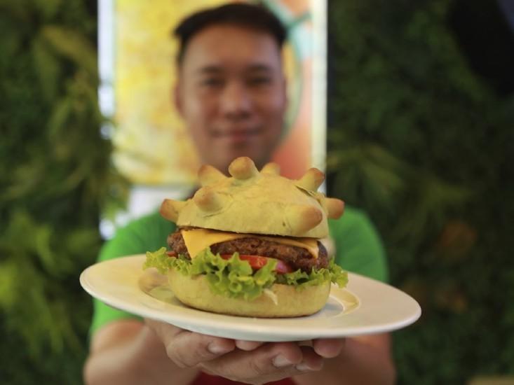 """המבורגר קורונה של """"פיצה הום"""" ויאטנם"""