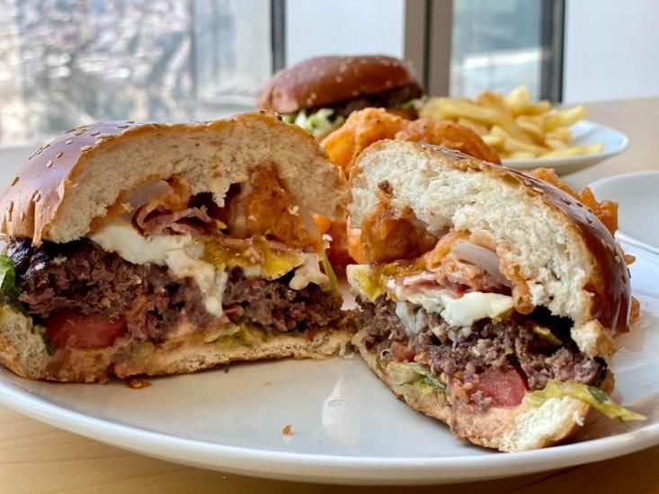המבורגר המוסד במשלוח תןביס