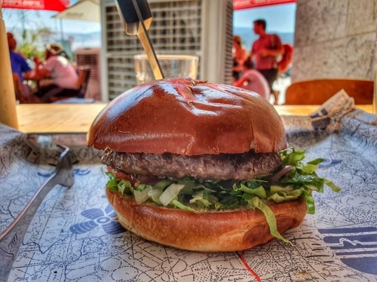 כביש 90 - המבורגר במחניים