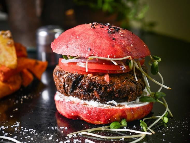 המבורגר צמחוני של משק ברזילי, מקור: יח
